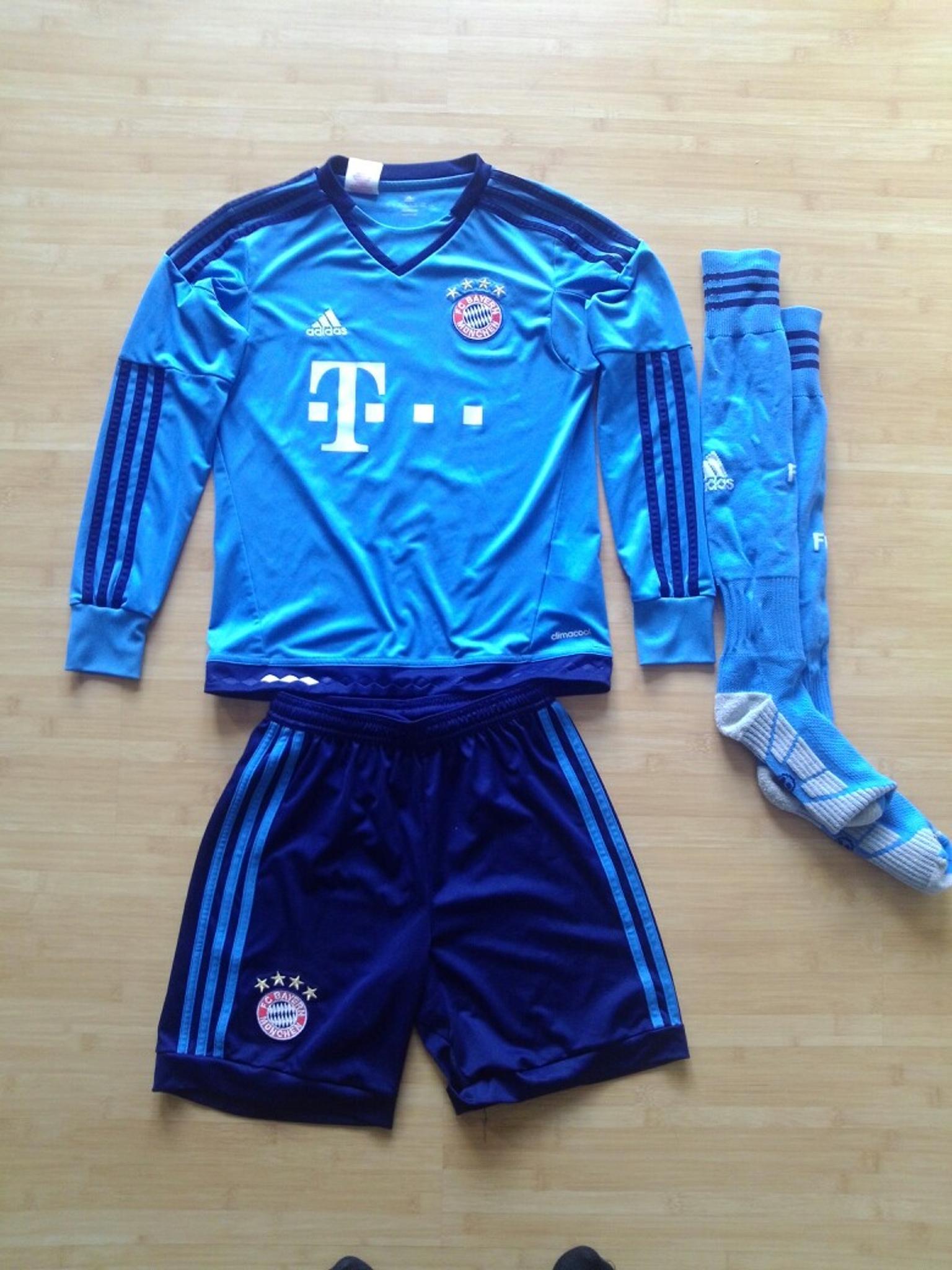 Fcb Manuel Neuer Trikot Hose Stulpen In 64683 Einhausen Fur 60 00 Zum Verkauf Shpock De
