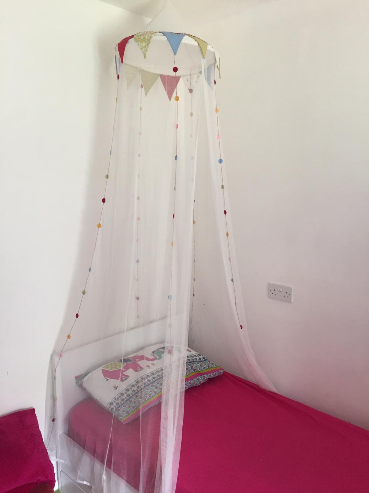ikea bed canopy excellent condition