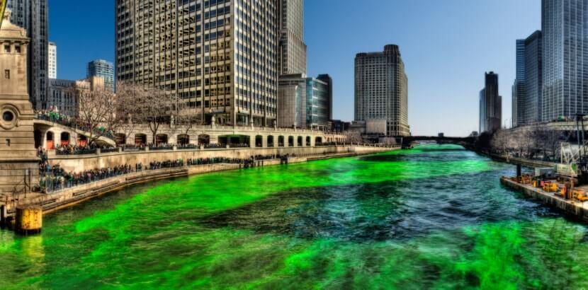 Zielona Chicago River w dzień św. Patryka 2009