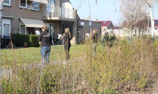 Leden CMV Prinses Margriet spelen voor bewoners Berghorst en Seringenhof