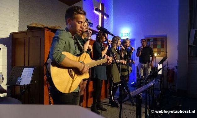 Verwachtingsvol aanbidden via livestream vanuit Staphorst
