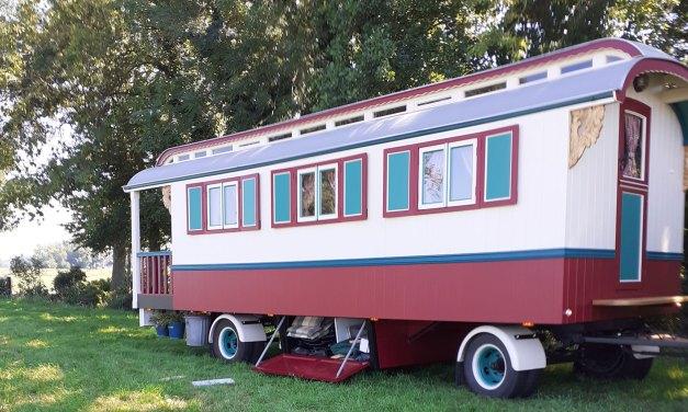 Bijzondere kampeermiddelen op de camping bij Jan en Annie