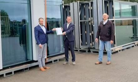 Rollecate B.V. heeft het felbegeerde Certificate of Constancy of Performance (CCP) behaald voor brandwerende aluminium ramen en deuren in gevels.