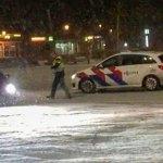 Politie deelt boete uit van 400 euro voor sneeuwdriften op marktterrein (filmpje)