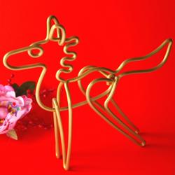 自遊自在カラーワイヤーで作った馬です