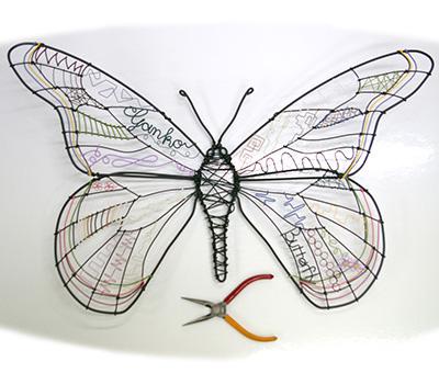 カラーワイヤーでつくる蝶
