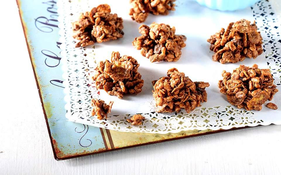 Τραγανές μπουκιές δημητριακών με ταχίνι και σοκολάτα | Συνταγές