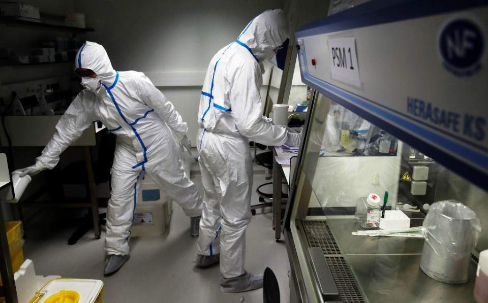 Κορωνοϊός: Δημοσιεύματα που ξεκίνησαν τις υποψίες ότι ο ιός «ξέφυγε» από εργαστήριο | Κόσμος