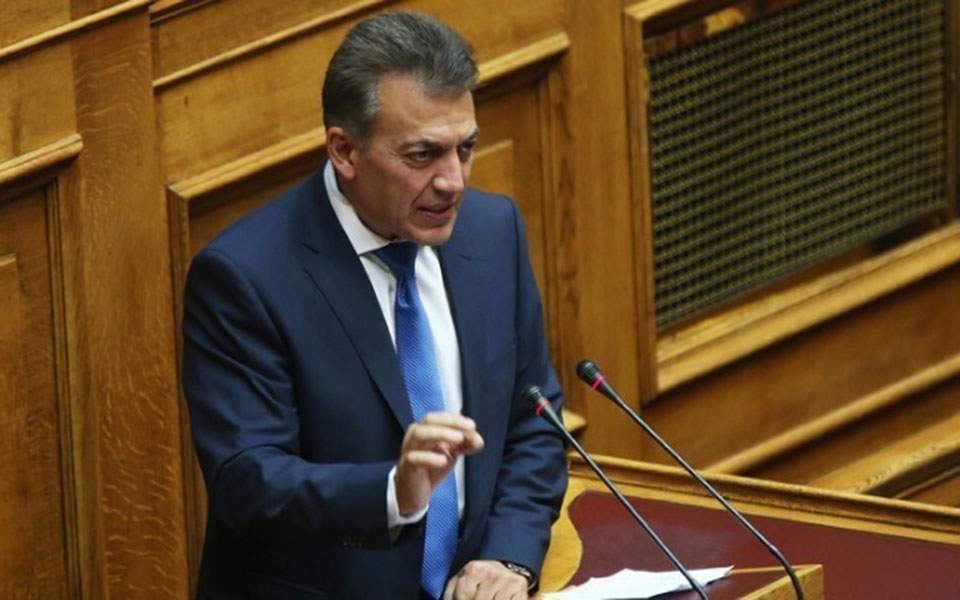 Τέλος στην τηλεκατάρτιση, κανονικά η ενίσχυση στους επιστήμονες | Ελλάδα