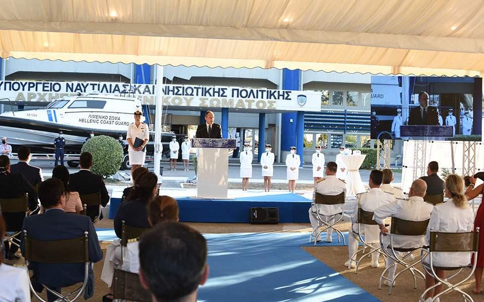 Στο Λιμενικό το πρώτο περιπολικό σκάφος με υγειονομικό εξοπλισμό | Ελλάδα