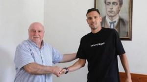 Официално: Георги Миланов подписа договор с Левски