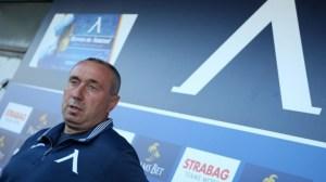 Левски започна да печели от завръщането на Станимир Стоилов