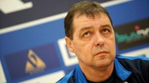 """Позицията на Петър Хубчев относно преговорите с Левски и отпадането на 11 точки от """"сините"""""""