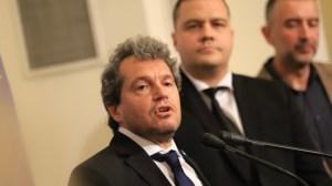 ITN изпраща покани да се консултира с 3 партии за тяхното правителство