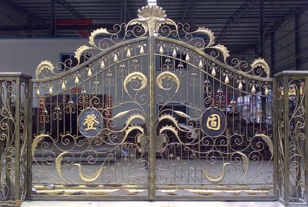 cửa cổng sắt đẹp nhất