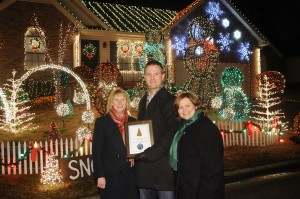 Brandon and Megan Gill with the 2011 Nashville Holiday Lights Award