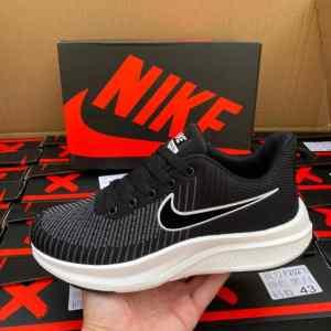 Nike Unisex Sneakers
