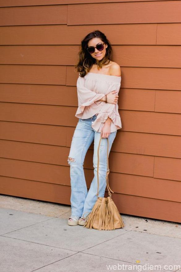 Quần jeans ống loe phối áo kiểu
