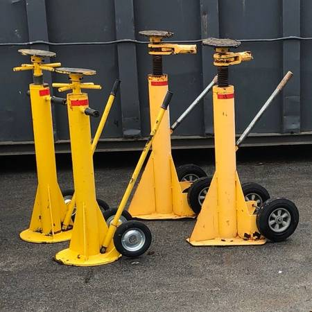 Semi trailer jacks $125  125