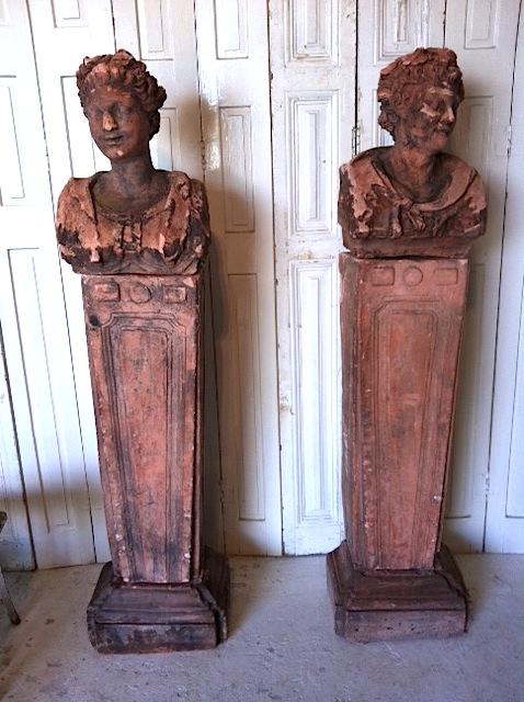 #18/075 2 Terra Cotta Busts on Pedestal