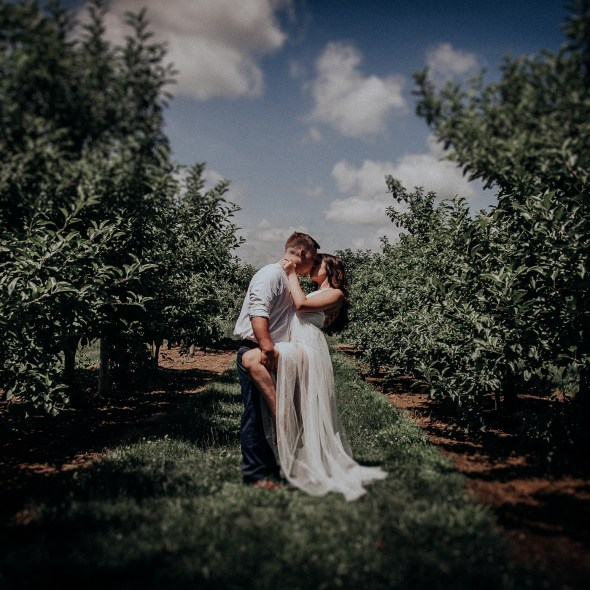 Huber's Orchard and Winery Engagement Photos Starlight Indiana