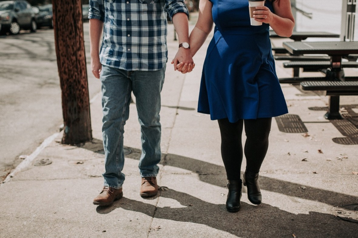 11_WCTM5361ab_Louisville_Photos_Bardstown_Engagement_Kentucky_Road_Spring_Downtown_Urban