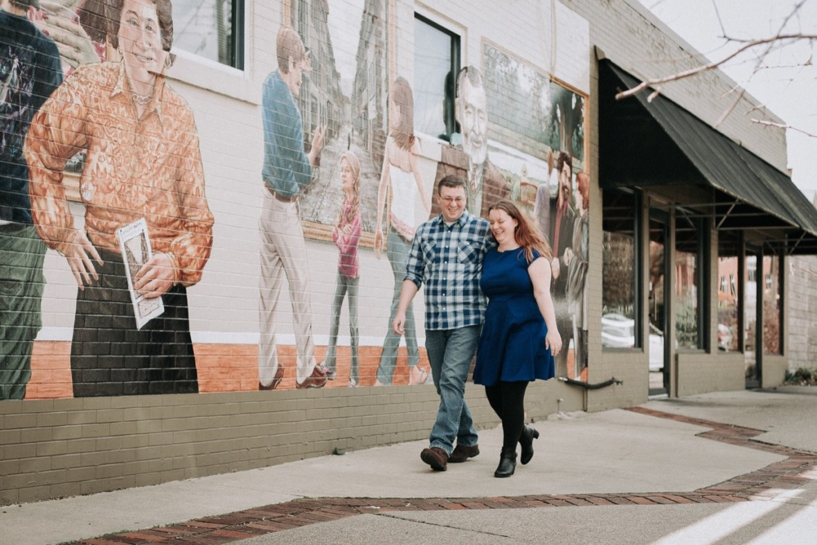 15_WCTM5392ab_Louisville_Photos_Bardstown_Engagement_Kentucky_Road_Spring_Downtown_Urban