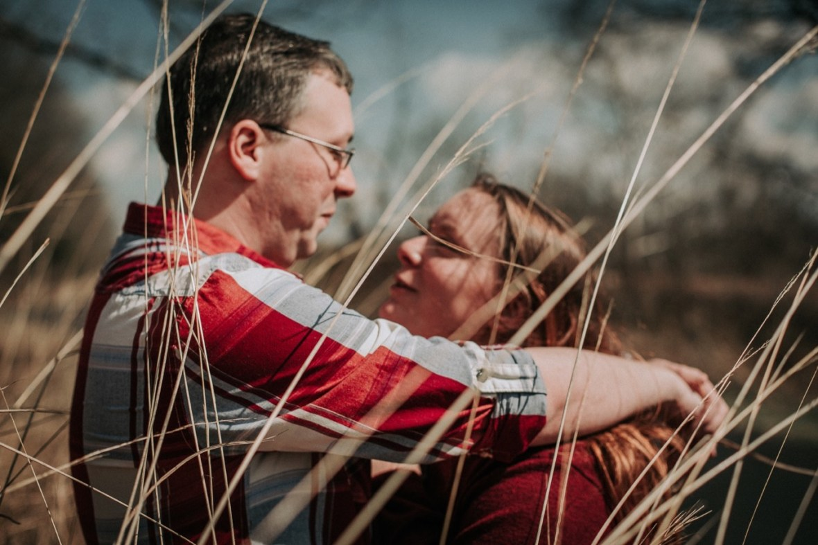 25_WCTM5586ab_Park_Rustic_Floyds_Woodsy_Engagement_Broad_Parklands_Fork_Photos_of_Run_Louisville_Kentucky