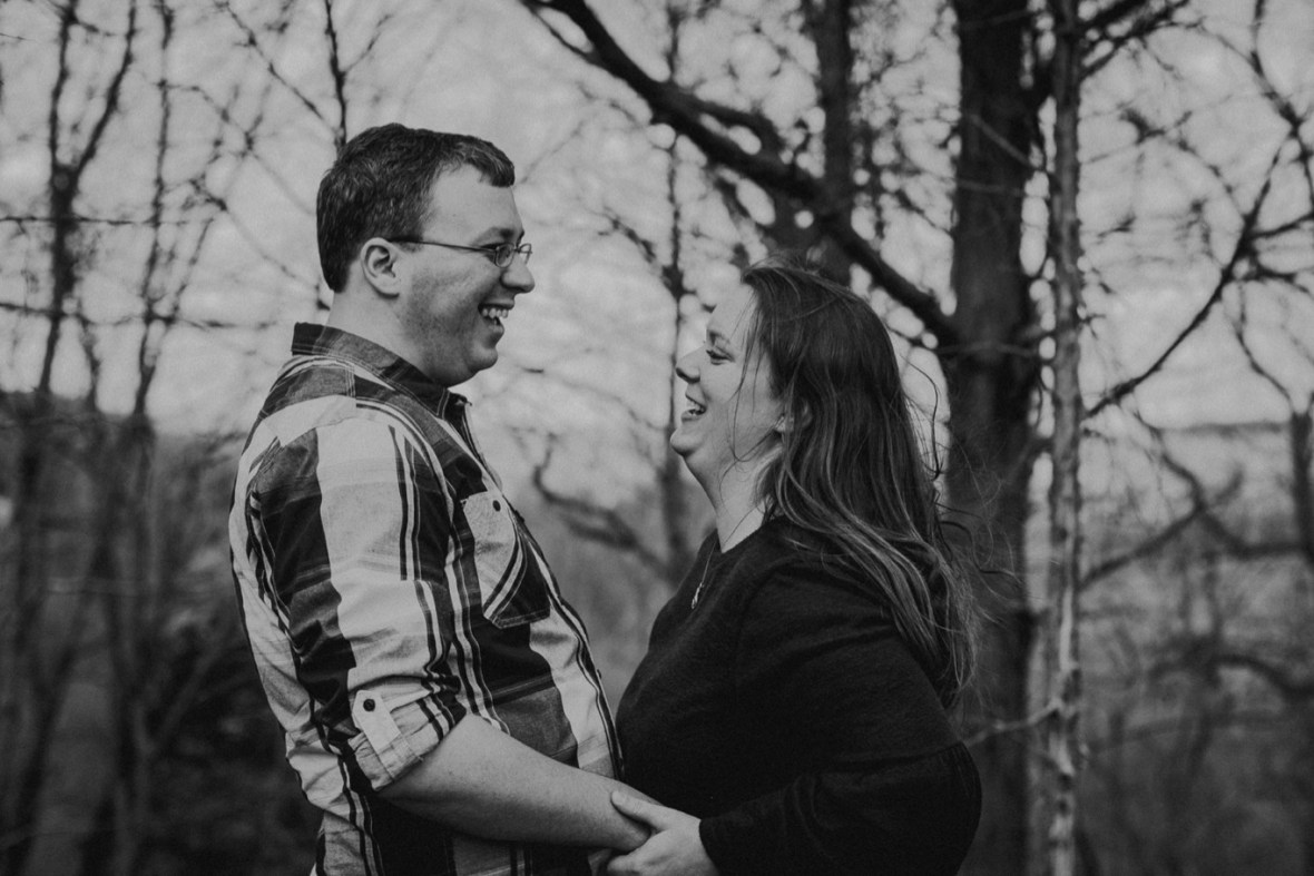 33_WCTM5660abwb_Park_Rustic_Floyds_Woodsy_Engagement_Broad_Parklands_Fork_Photos_of_Run_Louisville_Kentucky