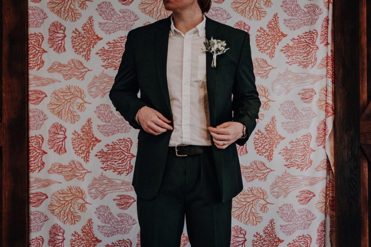 18_IMG_7570a_Coral_Kentucky_Living_Louisville_Reef_Wedding