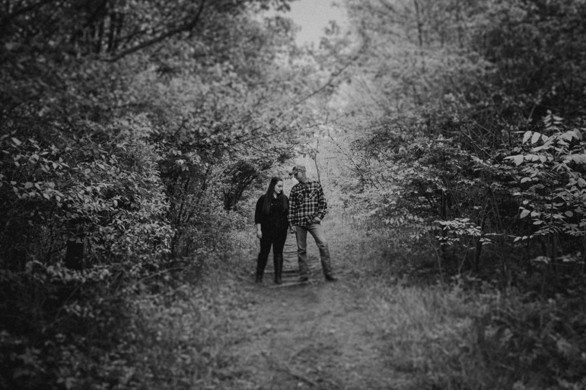 06_WCTM8511abwb_Kentucky_Engagement_Blackacre_Louisville_Photos_Farm