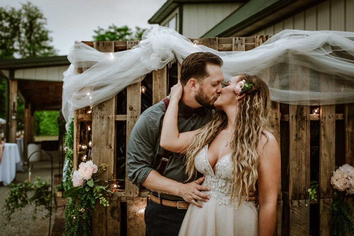 26_bpp040b_Themed_Louisville_Reception_Spring_Kentucky_Wedding_Beach