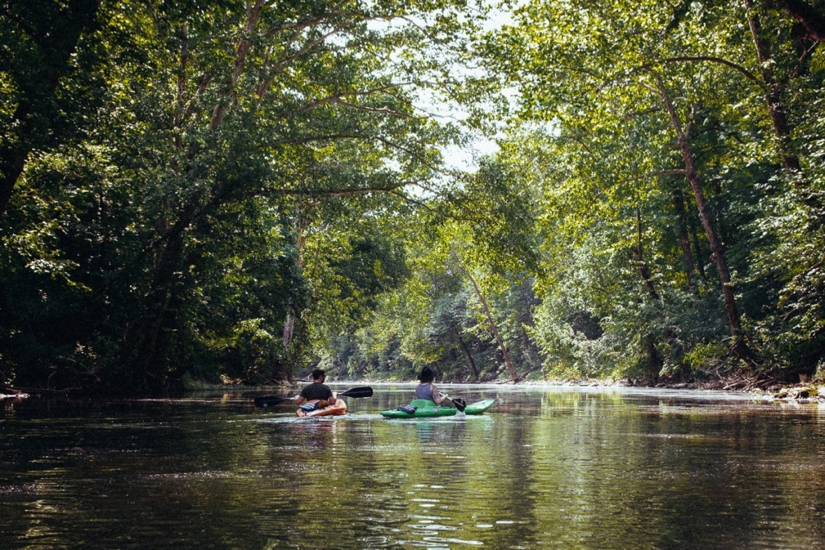 01_WCTM1309ab_Photos_Engagement_Canoes_Southern_Indiana_River_Blue_Country_Cave_Kayaking