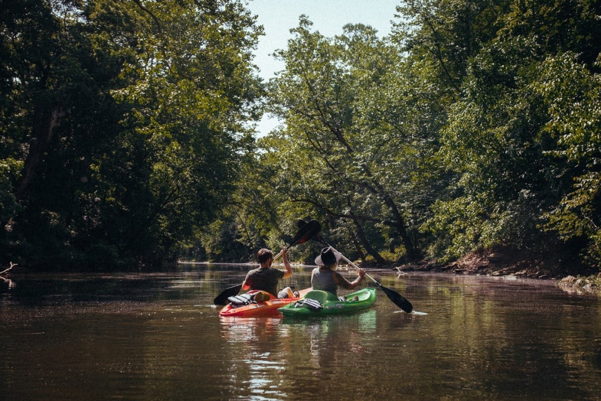 05_WCTM1293ab_Photos_Engagement_Canoes_Southern_Indiana_River_Blue_Country_Cave_Kayaking