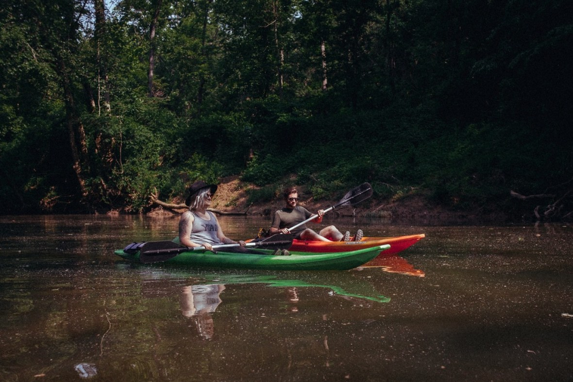 18_WCTM1344ab_Photos_Engagement_Canoes_Southern_Indiana_River_Blue_Country_Cave_Kayaking