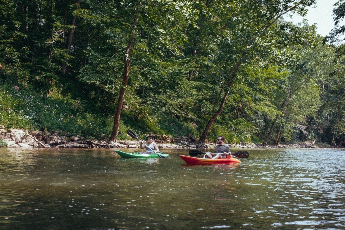 26_WCTM1363ab_Photos_Engagement_Canoes_Southern_Indiana_River_Blue_Country_Cave_Kayaking