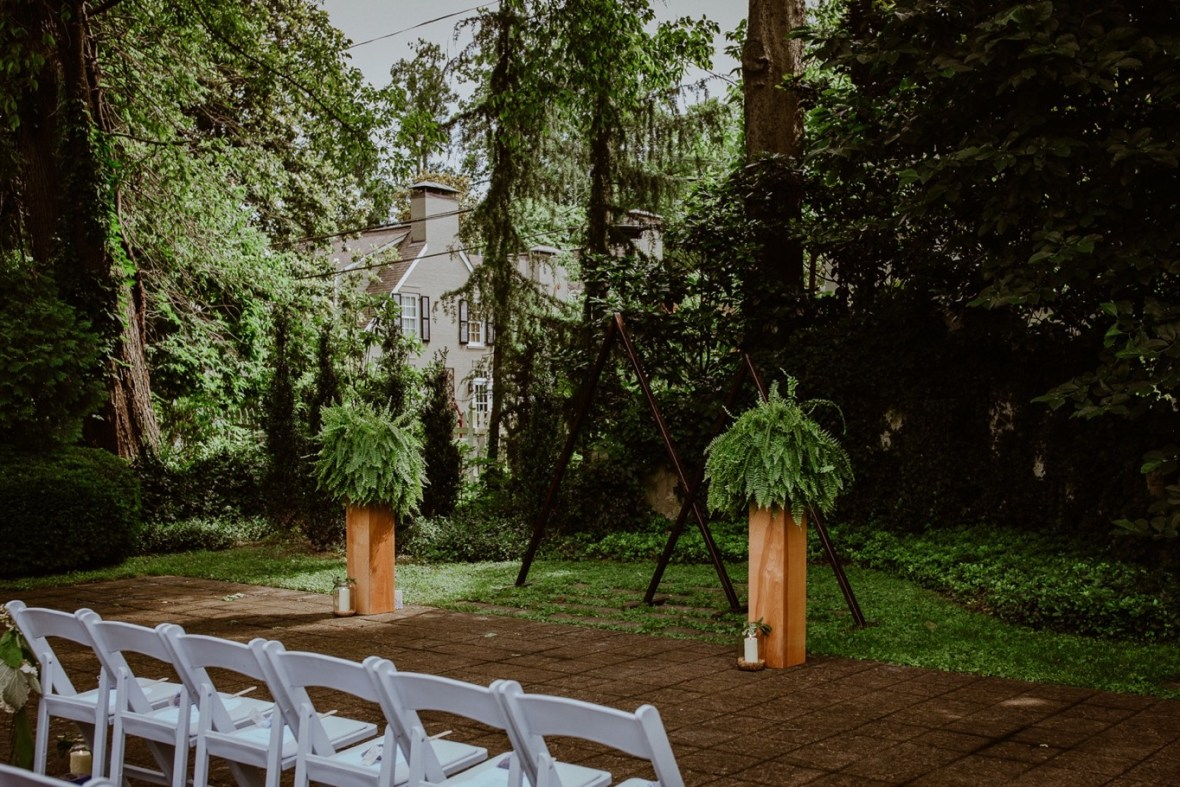28_WCTM2098ab_Louisville_Summer_Kentucky_Wedding_Gardens_And_Whitehall_Mansion