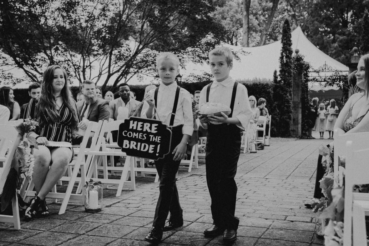 30_WCTM2170abwb_Louisville_Summer_Kentucky_Wedding_Gardens_And_Whitehall_Mansion