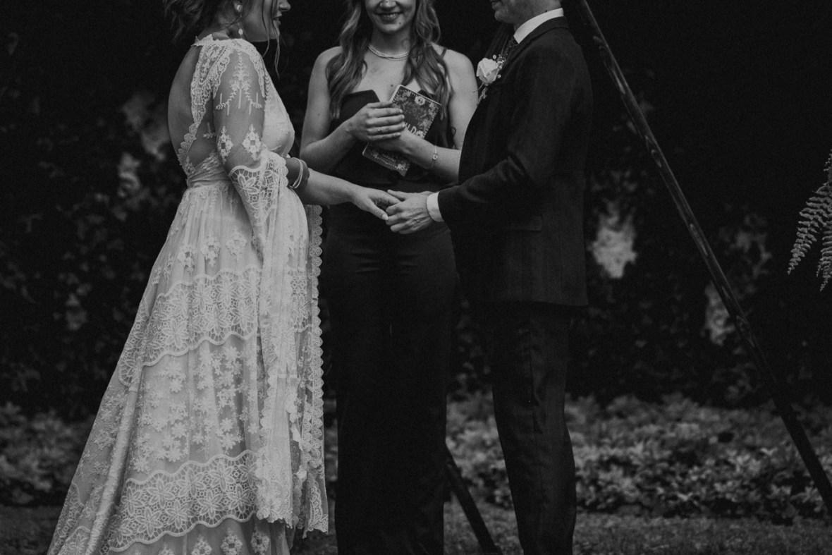 43_WTCM0341abwb_Louisville_Summer_Kentucky_Wedding_Gardens_And_Whitehall_Mansion