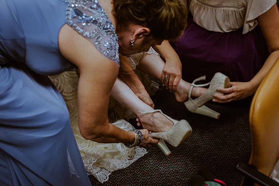 07_WCTM4124ab_Louisville_Summer_Reception_Club_Kentucky_Wedding_Catholic_Country_Woodhaven
