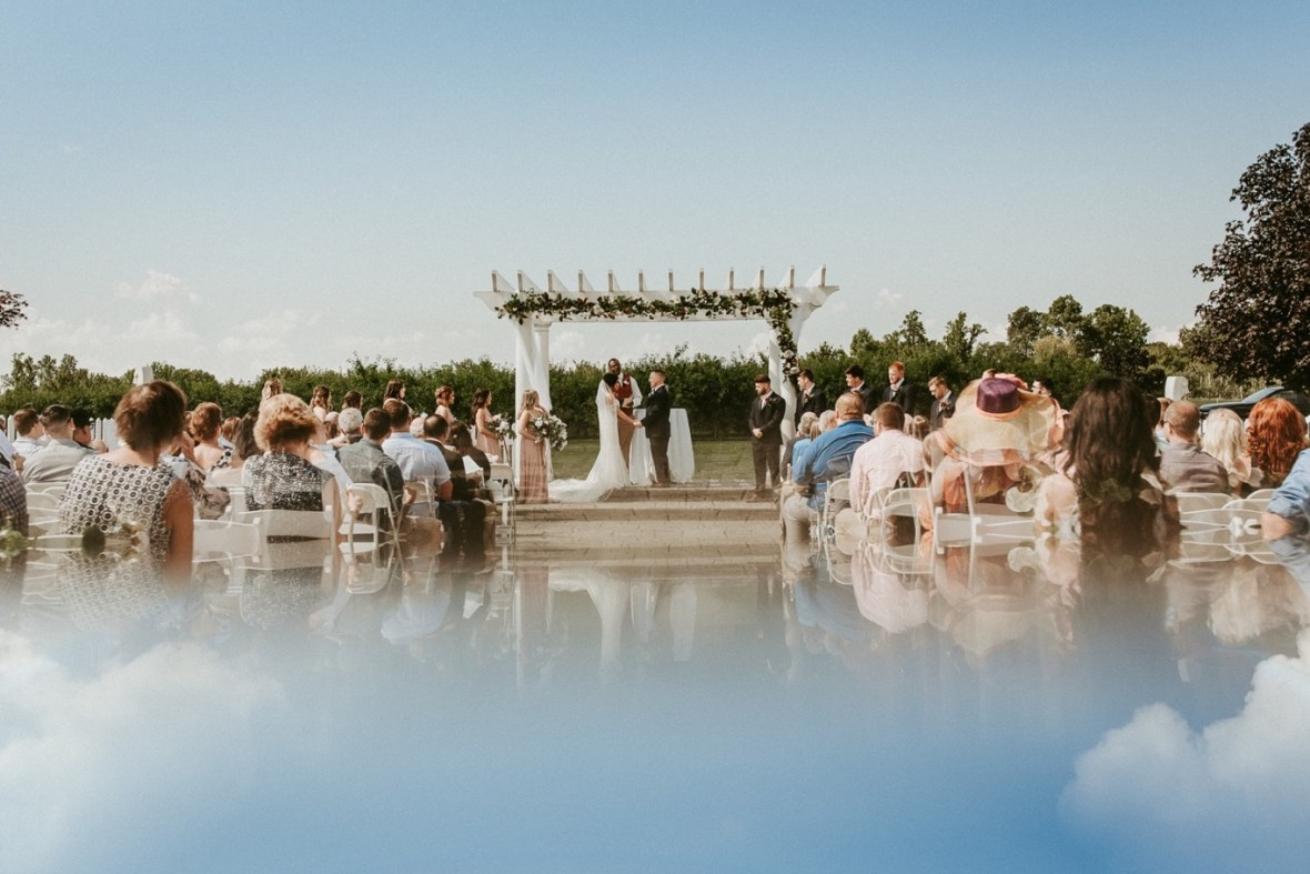 27_WCTM9057ab_Southern_Indiana_Summer_Winery_Wedding_Huber's_orchard_Vineyard