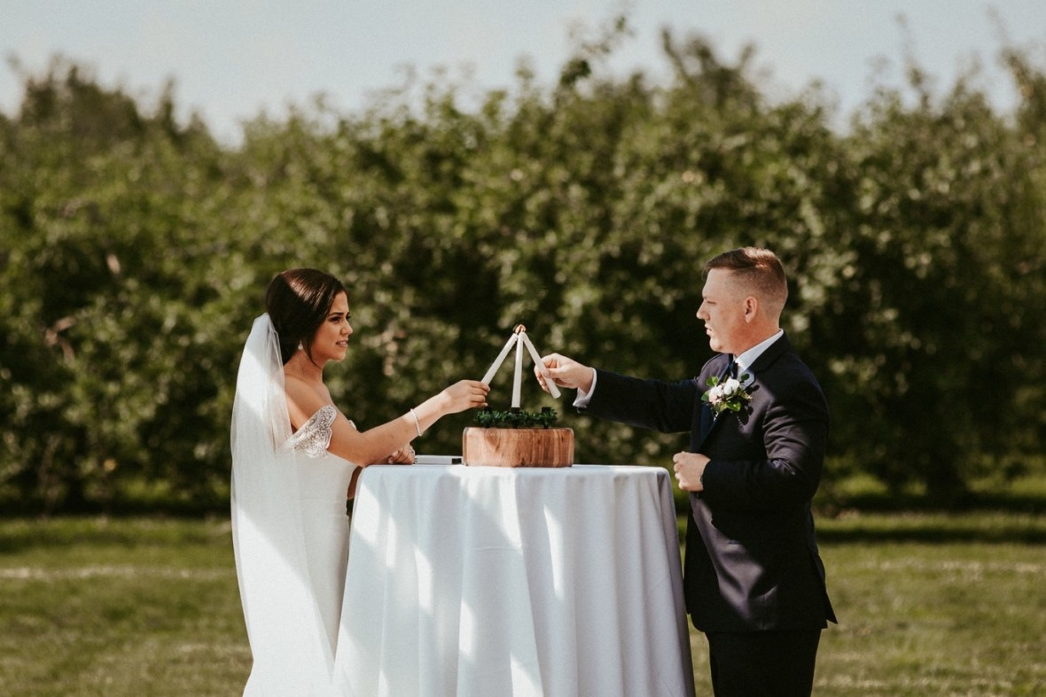 29_WTCM4783ab_Southern_Indiana_Summer_Winery_Wedding_Huber's_orchard_Vineyard