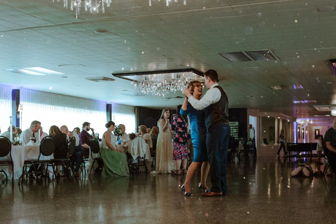 66_WCTM5237-Editab_Louisville_Reception_Club_Kentucky_Wedding_Country_Woodhaven