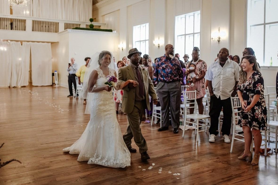 26_WCTM6703ab_Versailles_Kentucky_Themed_Galerie_Summer_Wedding