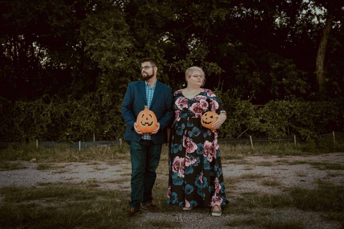 01_WCTM9889ab_Photos_Session_Pumpkins_Bombs_Smoke_Halloween_Mini_Louisville_Kentucky