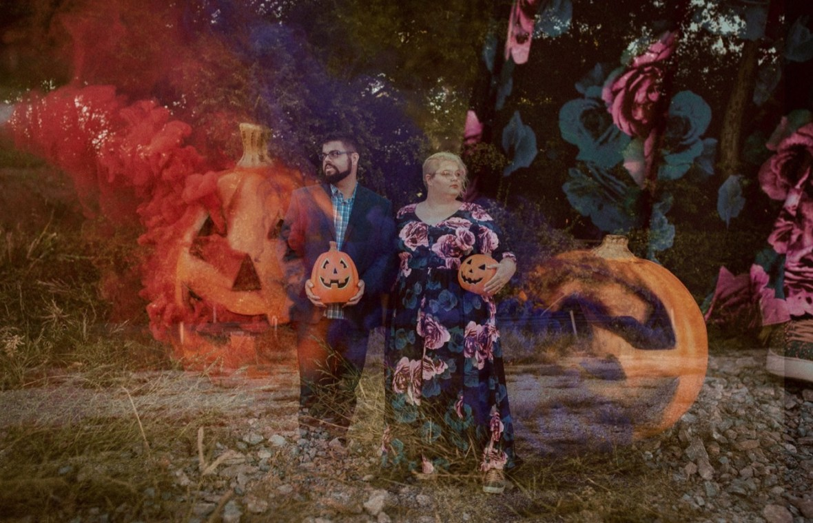 16_double1b_Photos_Session_Pumpkins_Bombs_Smoke_Halloween_Mini_Louisville_Kentucky
