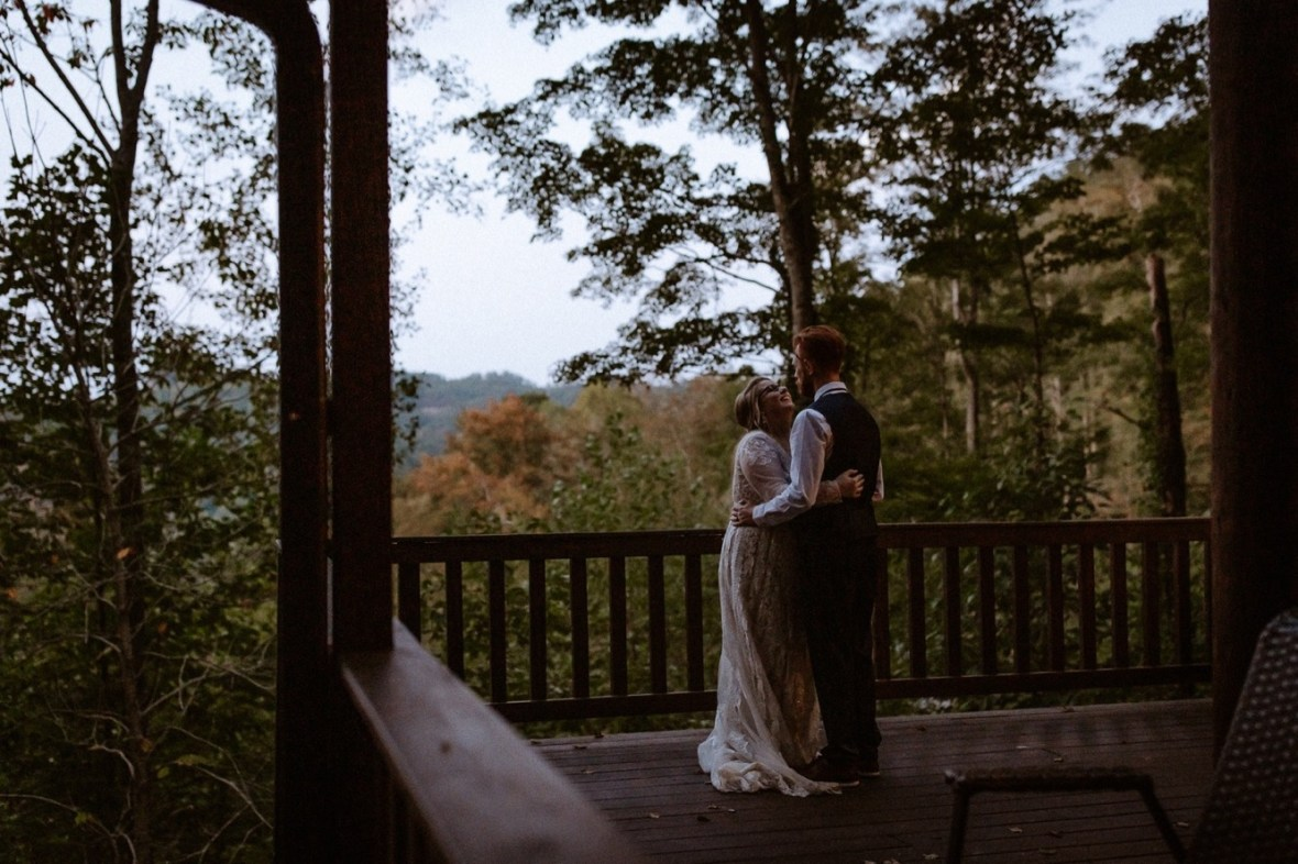 55_WCTM1396ab_Red_Wedding_River_At_Small_Chimney_Top_Gorge_Rock