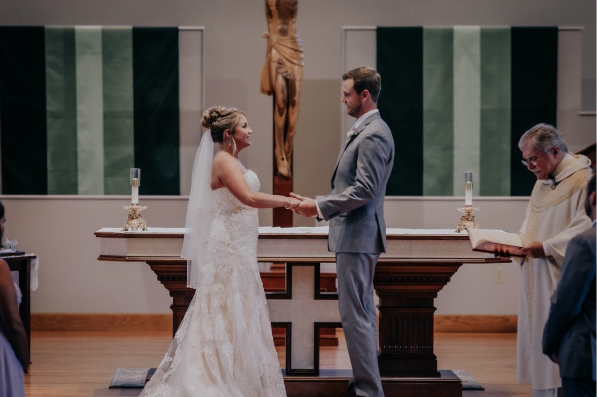 27_WTCM8742ab_oldham_Rustic_Summer_County_Kentucky_Wedding_Grange_La_Crestwood