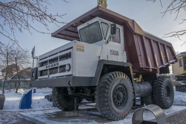 Кемерово - музей истории Кузбасса, грузовик Белаз