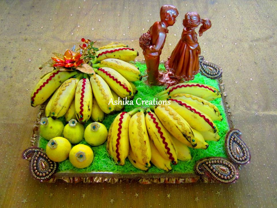 Banana In Grass Fruit Decoration Photo Gallery